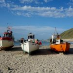 Fiskerbåde på stranden langs Hærvejen